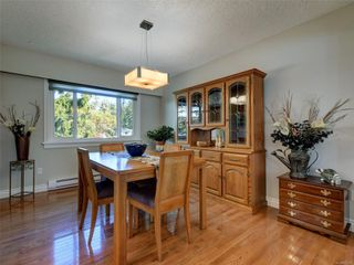 Photo 7: 3240 Cora Hill Pl in : Co Wishart South House for sale (Colwood)  : MLS®# 857079