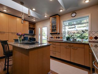 Photo 10: 3240 Cora Hill Pl in : Co Wishart South House for sale (Colwood)  : MLS®# 857079