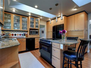 Photo 13: 3240 Cora Hill Pl in : Co Wishart South House for sale (Colwood)  : MLS®# 857079