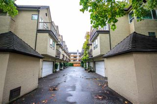 """Photo 2: 3 7311 MOFFATT Road in Richmond: Brighouse South Townhouse for sale in """"HAMPTON PLACE"""" : MLS®# R2515098"""