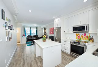 Photo 12: 9 6388 140 Street in Surrey: Sullivan Station Townhouse for sale : MLS®# R2392927