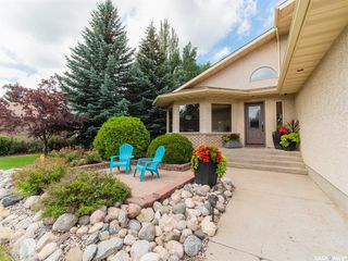 Photo 3: 31 Park Crescent in Emerald Park: Residential for sale : MLS®# SK785055