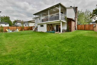 Photo 39: 5905 183A Street in Surrey: Cloverdale BC House for sale (Cloverdale)  : MLS®# R2404391