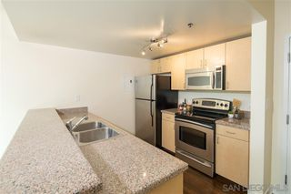 Photo 3: DOWNTOWN Condo for sale : 2 bedrooms : 425 W Beech St #902 in San Diego