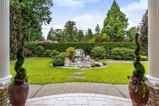 Photo 3: 13862 56A Avenue in Surrey: Panorama Ridge House for sale : MLS®# R2472852