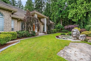 Photo 2: 13862 56A Avenue in Surrey: Panorama Ridge House for sale : MLS®# R2472852