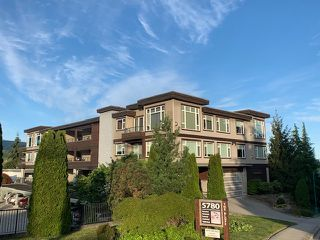 "Photo 1: 11 5780 TRAIL Avenue in Sechelt: Sechelt District Condo for sale in ""Tradewinds"" (Sunshine Coast)  : MLS®# R2476579"