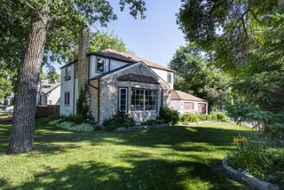 Photo 1: 855 Kildonan Drive in Winnipeg: Fraser's Grove Residential for sale (3C)  : MLS®# 202018504