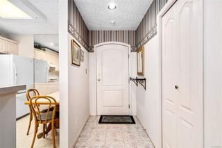 Photo 5: 314 1083 Tillicum Rd in : Es Kinsmen Park Condo Apartment for sale (Esquimalt)  : MLS®# 853553