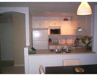 "Photo 7: 3033 TERRAVISTA Place in Port Moody: Port Moody Centre Condo for sale in ""GLENMORE"" : MLS®# V622870"