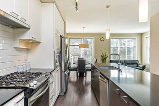 """Photo 5: 8 6088 BERESFORD Street in Burnaby: Metrotown Townhouse for sale in """"HIGHLAND PARK"""" (Burnaby South)  : MLS®# R2417079"""
