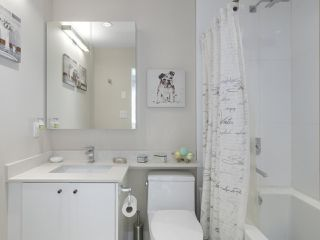 Photo 16: 216 1166 MELVILLE Street in Vancouver: Coal Harbour Townhouse for sale (Vancouver West)  : MLS®# R2428397
