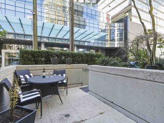 Photo 12: 216 1166 MELVILLE Street in Vancouver: Coal Harbour Townhouse for sale (Vancouver West)  : MLS®# R2428397