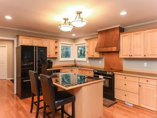 Photo 5: 1610 Kingsley Crt in COMOX: CV Comox (Town of) House for sale (Comox Valley)  : MLS®# 835825