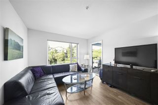 "Photo 4: 311 221 E 3RD Street in North Vancouver: Lower Lonsdale Condo for sale in ""Orizon on Third"" : MLS®# R2470227"