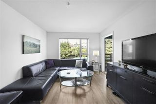 "Photo 3: 311 221 E 3RD Street in North Vancouver: Lower Lonsdale Condo for sale in ""Orizon on Third"" : MLS®# R2470227"