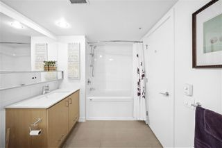 "Photo 13: 311 221 E 3RD Street in North Vancouver: Lower Lonsdale Condo for sale in ""Orizon on Third"" : MLS®# R2470227"