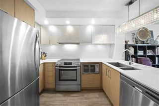 "Photo 9: 311 221 E 3RD Street in North Vancouver: Lower Lonsdale Condo for sale in ""Orizon on Third"" : MLS®# R2470227"