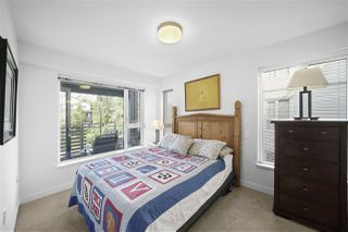"Photo 10: 311 221 E 3RD Street in North Vancouver: Lower Lonsdale Condo for sale in ""Orizon on Third"" : MLS®# R2470227"