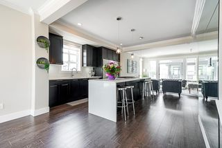 """Photo 7: 178 16488 64 Avenue in Surrey: Cloverdale BC Townhouse for sale in """"HARVEST AT BOSE FARMS"""" (Cloverdale)  : MLS®# R2413992"""