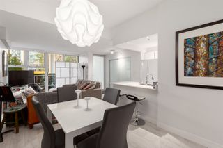 """Photo 9: GR-3J 1077 MARINASIDE Crescent in Vancouver: Yaletown Condo for sale in """"Marinaside Resort"""" (Vancouver West)  : MLS®# R2420245"""
