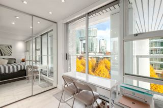 """Photo 12: GR-3J 1077 MARINASIDE Crescent in Vancouver: Yaletown Condo for sale in """"Marinaside Resort"""" (Vancouver West)  : MLS®# R2420245"""