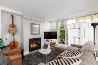 """Photo 3: GR-3J 1077 MARINASIDE Crescent in Vancouver: Yaletown Condo for sale in """"Marinaside Resort"""" (Vancouver West)  : MLS®# R2420245"""
