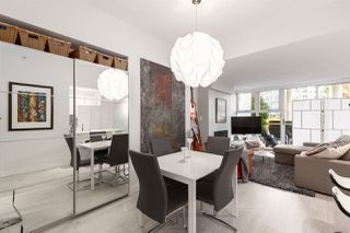 """Photo 10: GR-3J 1077 MARINASIDE Crescent in Vancouver: Yaletown Condo for sale in """"Marinaside Resort"""" (Vancouver West)  : MLS®# R2420245"""