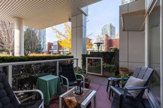 """Photo 17: GR-3J 1077 MARINASIDE Crescent in Vancouver: Yaletown Condo for sale in """"Marinaside Resort"""" (Vancouver West)  : MLS®# R2420245"""