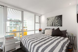 """Photo 11: GR-3J 1077 MARINASIDE Crescent in Vancouver: Yaletown Condo for sale in """"Marinaside Resort"""" (Vancouver West)  : MLS®# R2420245"""