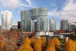 """Photo 16: GR-3J 1077 MARINASIDE Crescent in Vancouver: Yaletown Condo for sale in """"Marinaside Resort"""" (Vancouver West)  : MLS®# R2420245"""