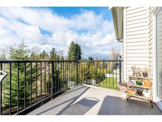 """Photo 2: 47 34230 ELMWOOD Drive in Abbotsford: Central Abbotsford Townhouse for sale in """"TEN OAKS"""" : MLS®# R2437003"""