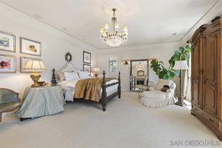 Photo 11: LA JOLLA House for sale : 3 bedrooms : 7731 Lookout Dr