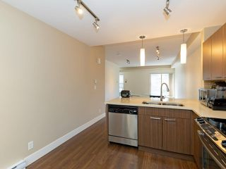 Photo 9: 114 2110 ROWLAND Street in Port Coquitlam: Central Pt Coquitlam Condo for sale : MLS®# R2500858