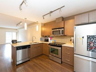 Photo 8: 114 2110 ROWLAND Street in Port Coquitlam: Central Pt Coquitlam Condo for sale : MLS®# R2500858