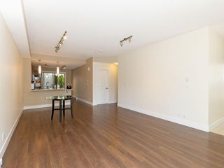 Photo 4: 114 2110 ROWLAND Street in Port Coquitlam: Central Pt Coquitlam Condo for sale : MLS®# R2500858