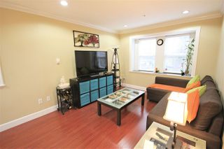 "Photo 5: 226 E WOODSTOCK Avenue in Vancouver: Main House for sale in ""MAIN"" (Vancouver East)  : MLS®# R2515887"