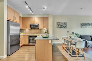 """Photo 14: 304 139 W 22ND Street in North Vancouver: Central Lonsdale Condo for sale in """"ANDERSON WALK"""" : MLS®# R2526044"""