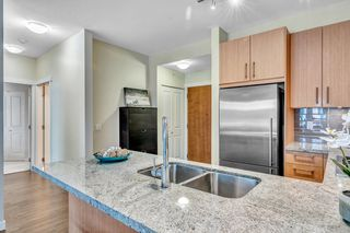 """Photo 13: 304 139 W 22ND Street in North Vancouver: Central Lonsdale Condo for sale in """"ANDERSON WALK"""" : MLS®# R2526044"""