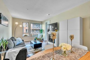 """Photo 6: 304 139 W 22ND Street in North Vancouver: Central Lonsdale Condo for sale in """"ANDERSON WALK"""" : MLS®# R2526044"""