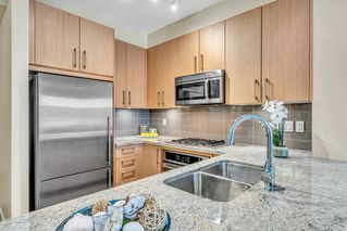 """Photo 12: 304 139 W 22ND Street in North Vancouver: Central Lonsdale Condo for sale in """"ANDERSON WALK"""" : MLS®# R2526044"""