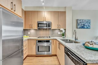 """Photo 15: 304 139 W 22ND Street in North Vancouver: Central Lonsdale Condo for sale in """"ANDERSON WALK"""" : MLS®# R2526044"""