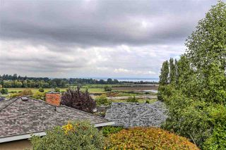 "Photo 16: 237 MORNINGSIDE Drive in Delta: Pebble Hill House for sale in ""MORNINGSIDE"" (Tsawwassen)  : MLS®# R2407277"