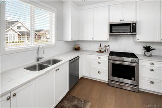 Photo 7: 2 10490 Resthaven Drive in SIDNEY: Si Sidney North-East Row/Townhouse for sale (Sidney)  : MLS®# 416164