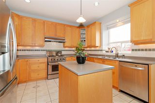 Photo 2: 6678 STRATHMORE Avenue in Burnaby: Highgate House for sale (Burnaby South)  : MLS®# R2418831