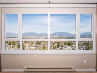 "Photo 4: 1707 6070 MCMURRAY Avenue in Burnaby: Forest Glen BS Condo for sale in ""LA MIRAGE"" (Burnaby South)  : MLS®# R2443753"