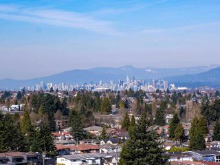 "Photo 14: 1707 6070 MCMURRAY Avenue in Burnaby: Forest Glen BS Condo for sale in ""LA MIRAGE"" (Burnaby South)  : MLS®# R2443753"