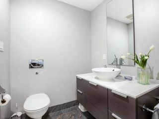 "Photo 13: 1603 1111 ALBERNI Street in Vancouver: West End VW Condo for sale in ""LIVING SHANGRI-LA (LIVE-WORK)"" (Vancouver West)  : MLS®# R2455392"
