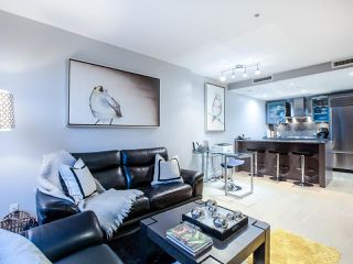 "Photo 2: 1603 1111 ALBERNI Street in Vancouver: West End VW Condo for sale in ""LIVING SHANGRI-LA (LIVE-WORK)"" (Vancouver West)  : MLS®# R2455392"