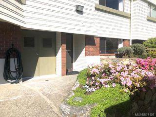 Photo 2: 108 1145 Hilda St in Victoria: Vi Fairfield West Condo for sale : MLS®# 837107